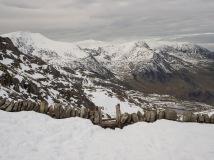 Heavy snow drift by the Bwlch Tryfan stile